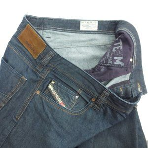 DIESEL LARKEE-RELAXED Comfort Straight Jeans